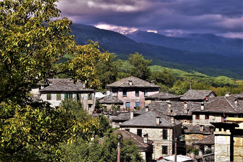 Bridges & Villages, hiking the famous network of footpaths and bridges of central Zagori